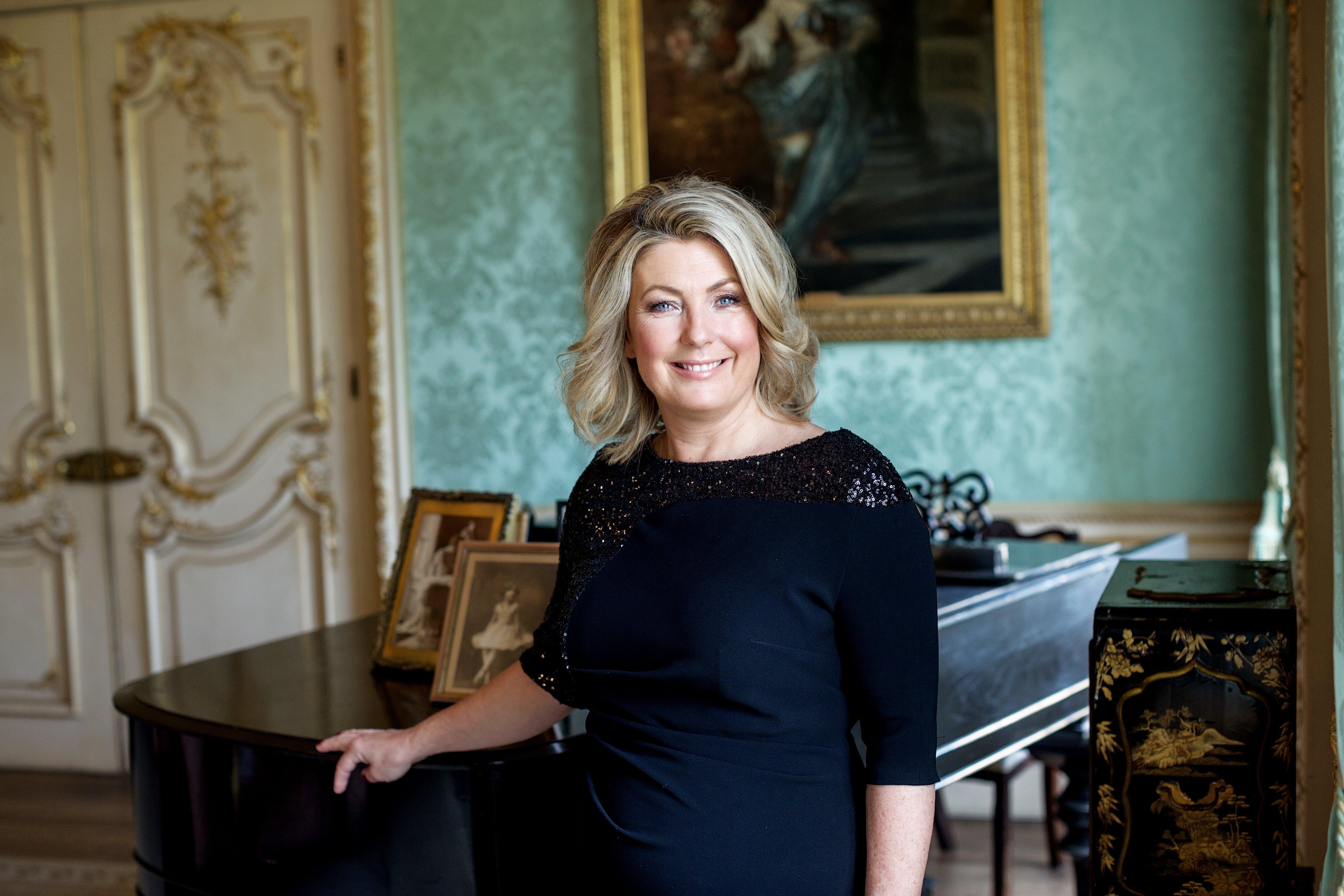 Lady Carnarvon Formal